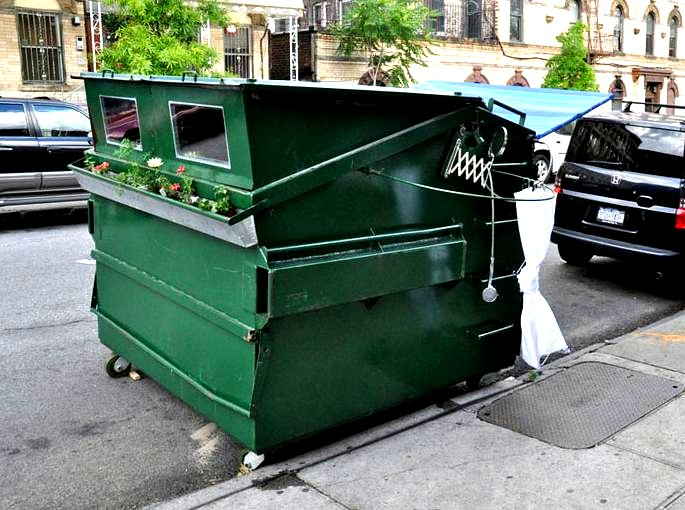 tiny-home-in-a-dumpster-bin-gregory-kloehn-the-flying-tortoise